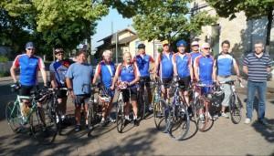 Während einige Rennradfahrer das Gepäck für alle nach Willingen brachten, gings im Zug mit den Rennmaschinen bis Marburg..